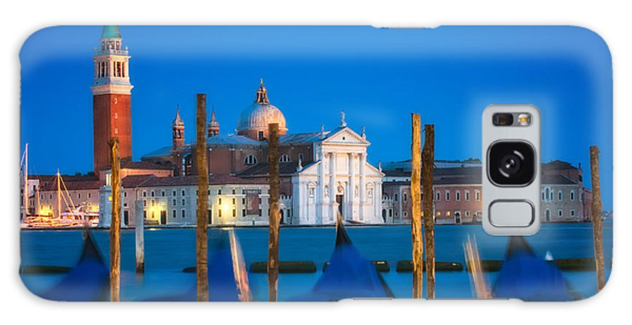 Europe Galaxy S8 Case featuring the photograph Twilight In Venice by Joan Herwig