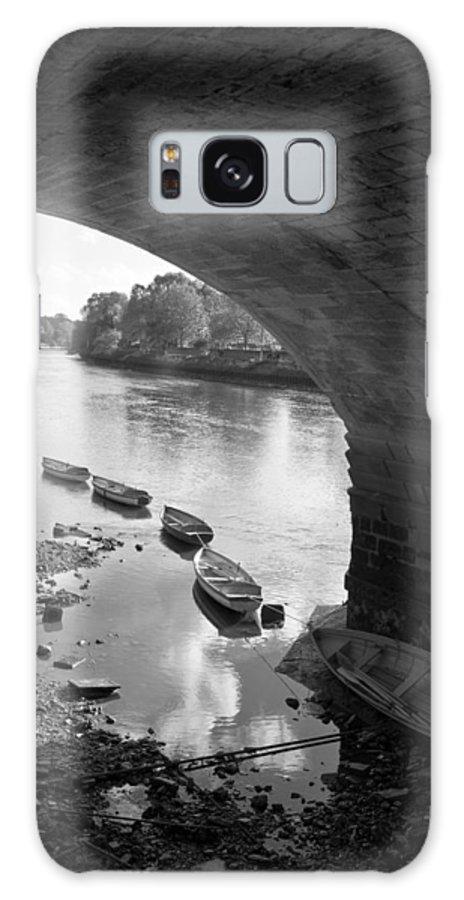 Richmond Bridge Galaxy S8 Case featuring the photograph Under Richmond Bridge by Maj Seda