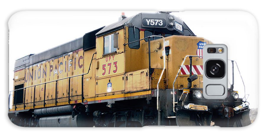 Trains Galaxy S8 Case featuring the photograph Union Pacific Yard Master by Steven Milner