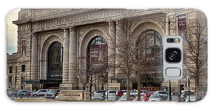 Kansas City Galaxy S8 Case featuring the photograph Union Station by Sennie Pierson