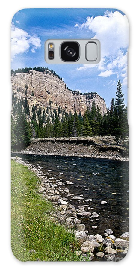 Landscape Galaxy S8 Case featuring the photograph Upriver In Washake Wilderness by Kathy McClure