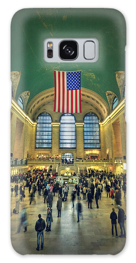 Grand Central Galaxy S8 Case featuring the photograph Urban Legend by Evelina Kremsdorf
