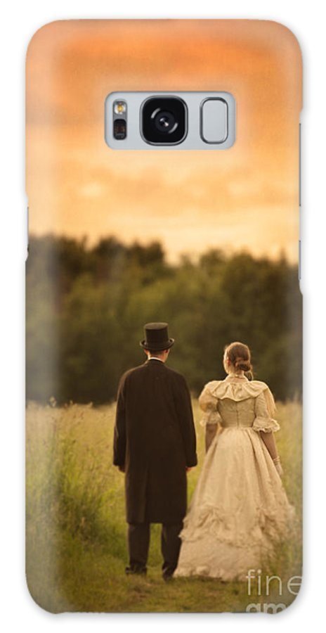 Victorian Galaxy S8 Case featuring the photograph Victorian Couple In A Summer Meadow by Lee Avison