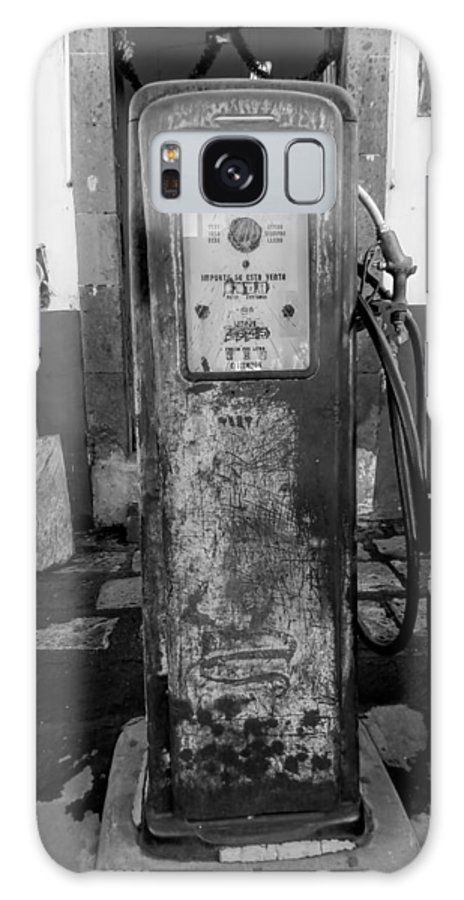 Galaxy S8 Case featuring the photograph Vintage Old Gas Pump by Cathy Anderson