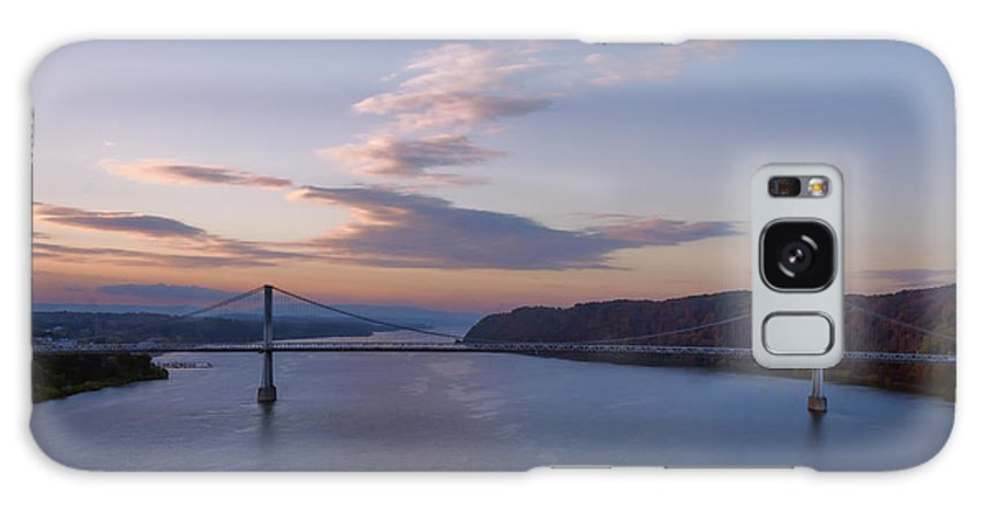 Joan Carroll Galaxy S8 Case featuring the photograph Walkway Over The Hudson Dawn by Joan Carroll