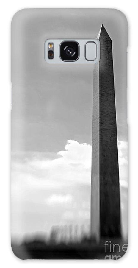 Washington Galaxy S8 Case featuring the photograph Washington Monument by Tony Cordoza