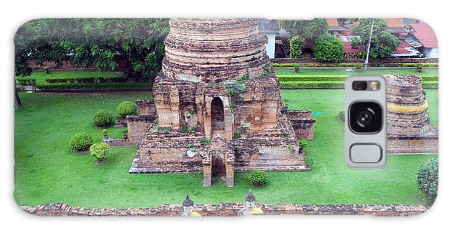 Wat Galaxy S8 Case featuring the photograph Wat Yai Chai Mongkol by Artur Bogacki