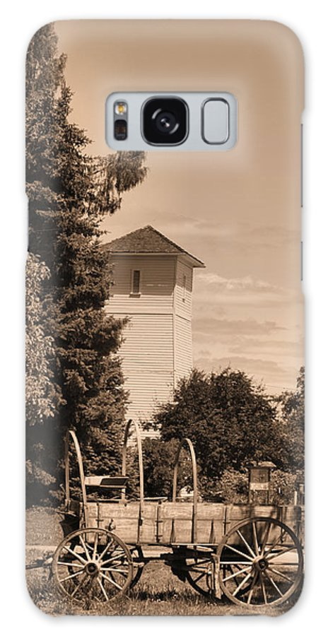 Water Tower Galaxy S8 Case featuring the photograph Water Tower by Ray Finch