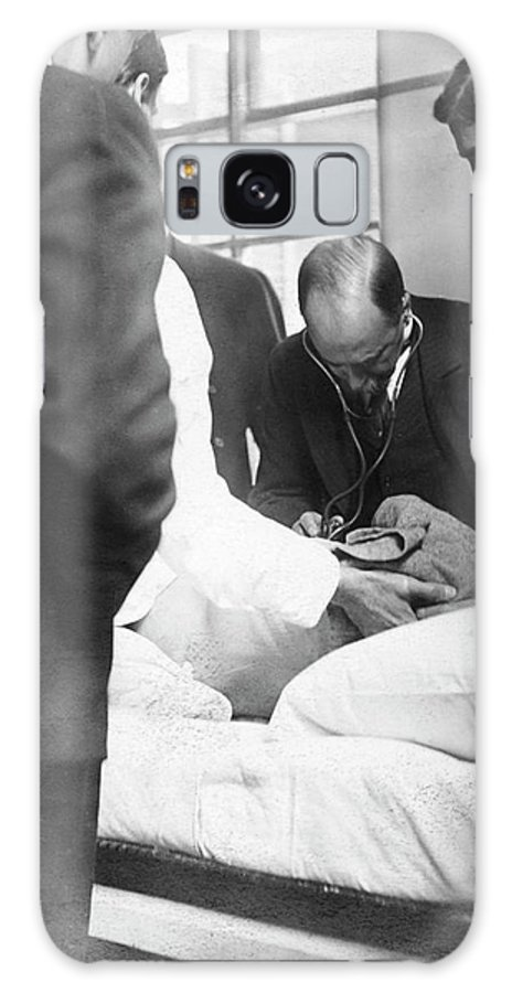 William Osler Galaxy S8 Case featuring the photograph William Osler Attending A Patient by National Library Of Medicine