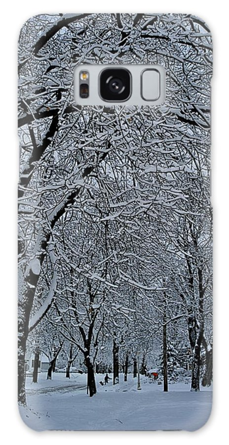Shoveling Galaxy S8 Case featuring the photograph Winter's Work by Joseph Yarbrough