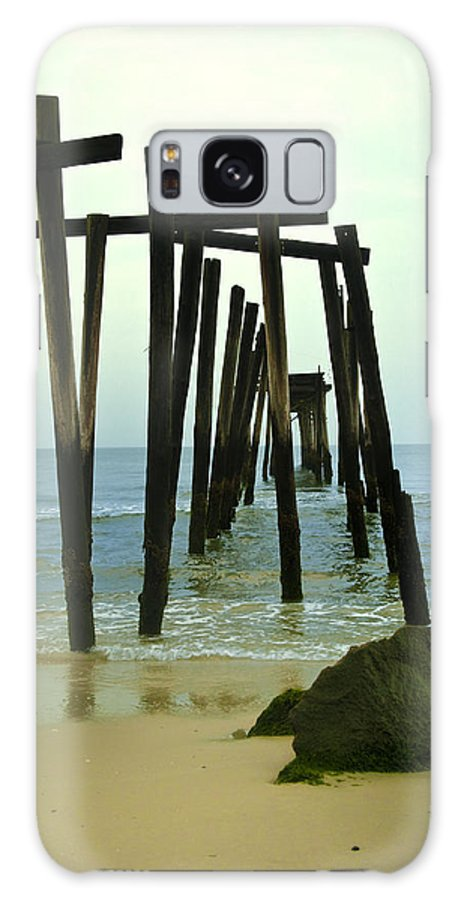Without Galaxy S8 Case featuring the photograph Without Pier by Bill Cannon