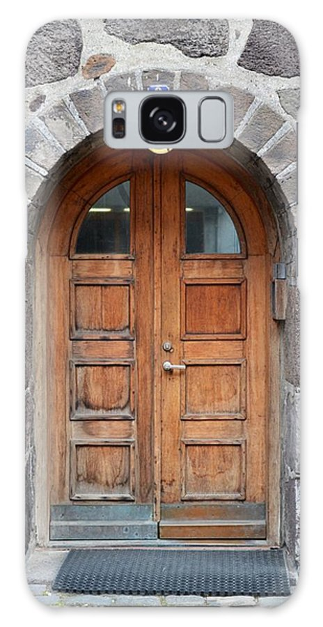 Iceland Galaxy S8 Case featuring the photograph Wood Arch Door Iceland by Paula Deutz