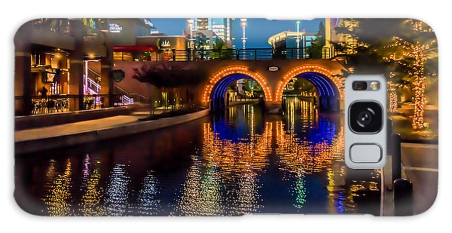 The Woodlands Galaxy S8 Case featuring the photograph Woodlands Waterway-1 by Richard Irvin Houghton