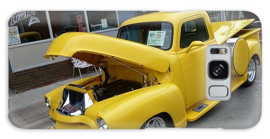 Classic 50 Car Show Galaxy S8 Case featuring the photograph Yellow Truck by Lingfai Leung