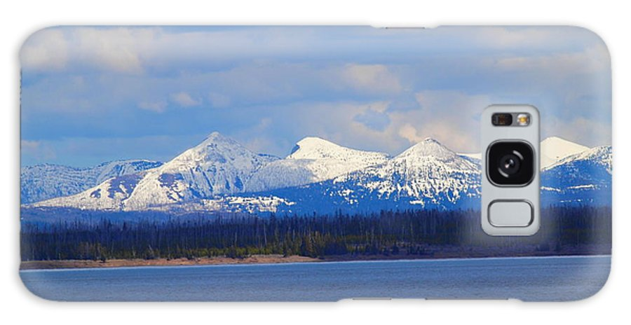 Lake Galaxy S8 Case featuring the photograph Yellowstone Lake by Tammy Bullard