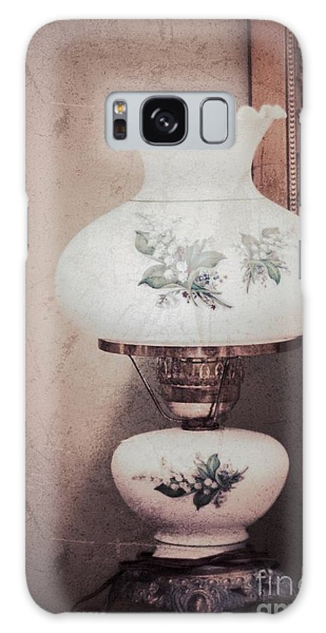 Old Lamp Galaxy S8 Case featuring the photograph Yesteryear by Carolyn Fox