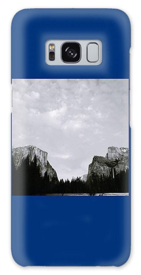 Yosemite Galaxy S8 Case featuring the photograph Serenity Of Yosemite by Shaun Higson
