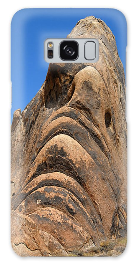 Alabama Galaxy S8 Case featuring the photograph Alabama Hills Monster by Chlaus Loetscher