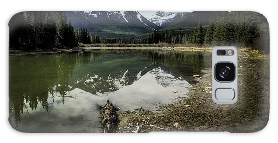Muleshoe Pond Galaxy S8 Case featuring the digital art Muleshoe Pond Reflection Banff by Diane Dugas