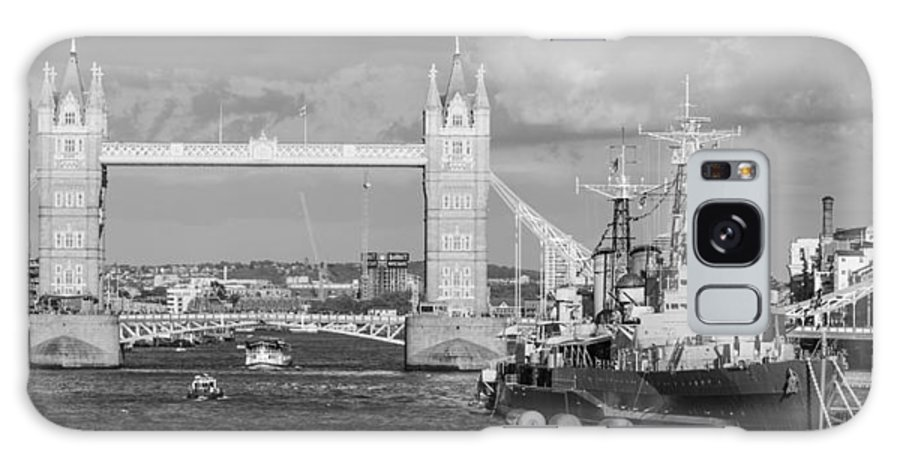 Dawn Oconnor Dawnoconnorphotos@gmail.com Galaxy S8 Case featuring the photograph Hms Belfast by Dawn OConnor