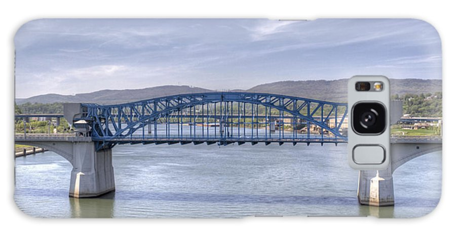 Chattanooga Galaxy S8 Case featuring the photograph Market Street Bridge by David Troxel