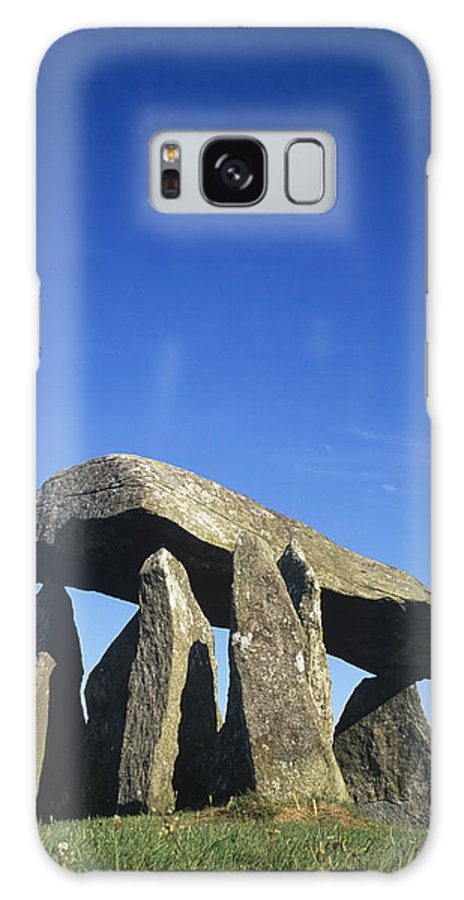 Burial Site Galaxy S8 Case featuring the photograph Standing Stones by Duncan Shaw