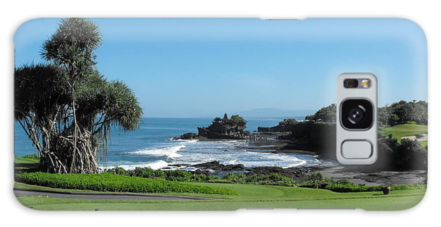 Tanah Lot Temple Galaxy S8 Case featuring the photograph Tanah Lot Temple by Marlene Challis