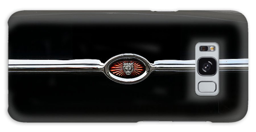 1973 Jaguar E Type 4.2 Galaxy S8 Case featuring the photograph 1973 Jaguar Type E Emblem by Paul Ward