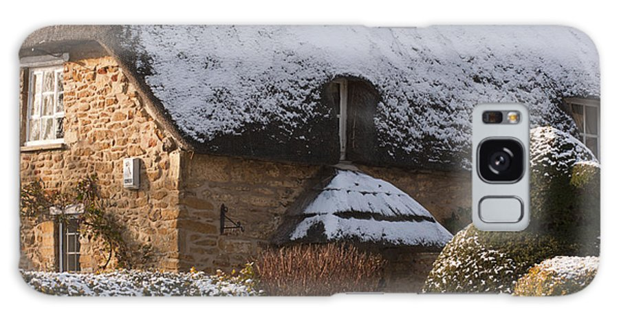 Britain Galaxy S8 Case featuring the photograph Cottage by Andrew Michael