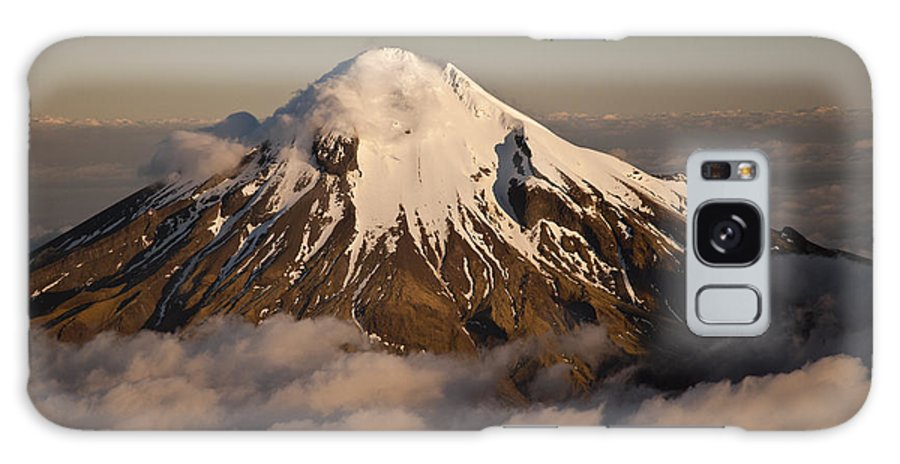 00447579 Galaxy S8 Case featuring the photograph Mount Taranaki Above The Clouds New by Colin Monteath