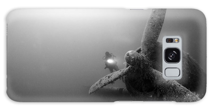 Airplane Galaxy S8 Case featuring the photograph Airplane Underwater by Rico Besserdich