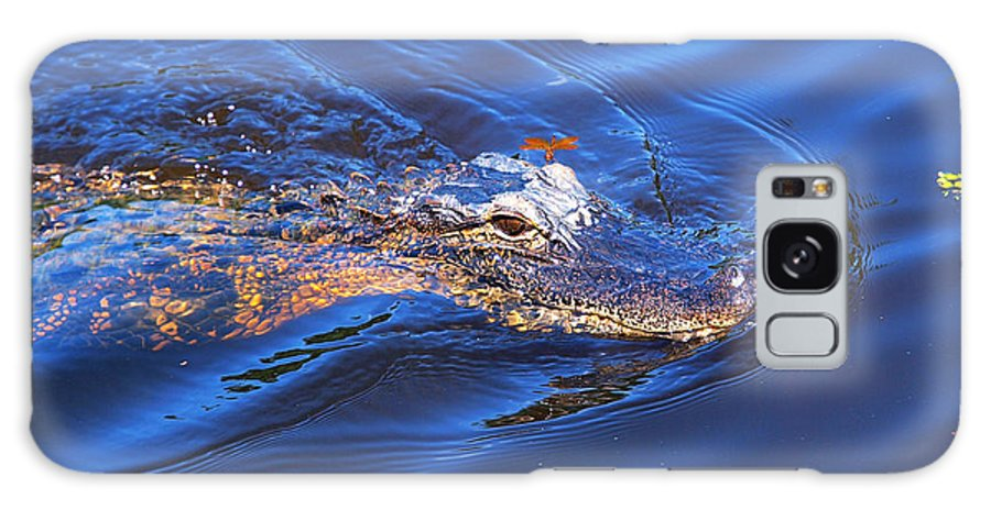 Alligator Galaxy S8 Case featuring the photograph Alligator In Mississippi River by Paul Ge