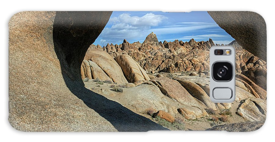 Alabama Galaxy S8 Case featuring the photograph Arch Alabama Hills by Dean Pennala