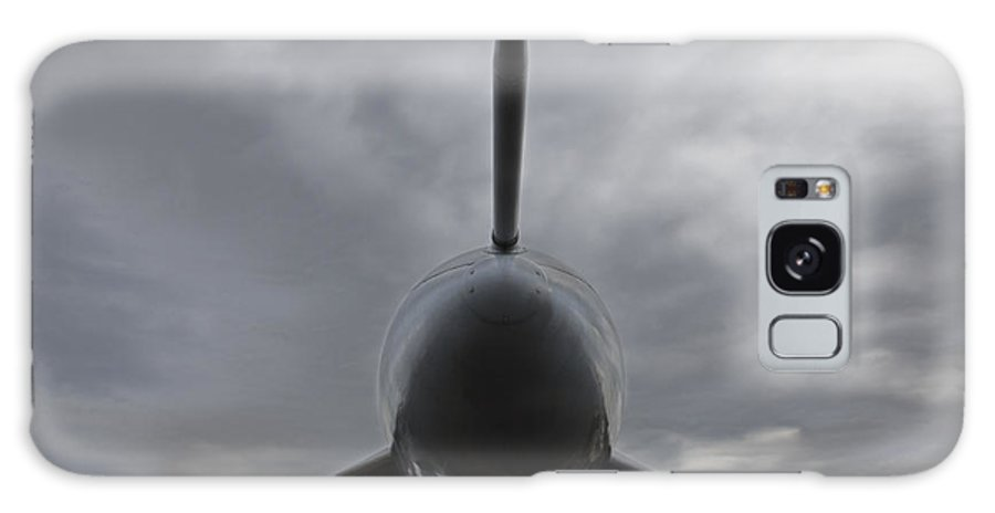 Airshow Galaxy S8 Case featuring the photograph Avro Vulcan B-2 by Ian Middleton