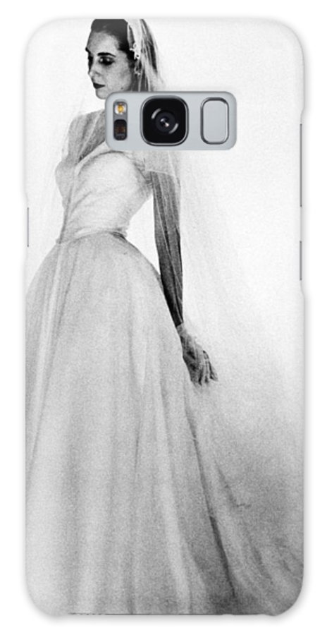 1947 Galaxy S8 Case featuring the photograph Bridal Gown, 1947 by Granger