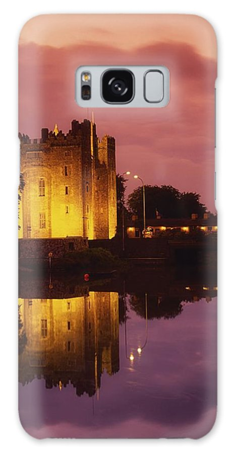 Architecture Galaxy S8 Case featuring the photograph Bunratty, County Clare, Ireland by Richard Cummins