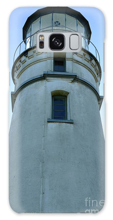 Pacific Ocean Galaxy S8 Case featuring the photograph Cape Blanco Light by Bob Christopher