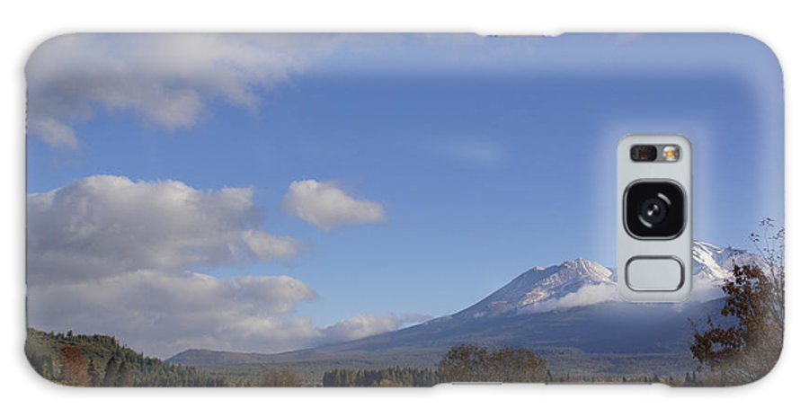 Road Galaxy S8 Case featuring the photograph Clouds And Mt Shasta In Autumn by Mick Anderson