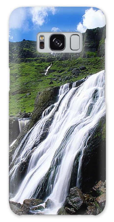 County Waterford Galaxy S8 Case featuring the photograph Comeragh Mountains, County Waterford by Richard Cummins