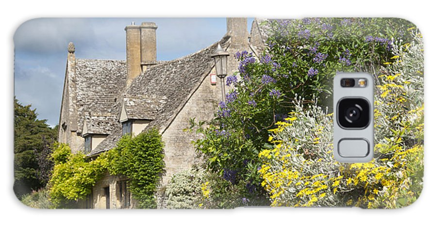 Cotswolds Galaxy S8 Case featuring the photograph Country Cottage by Andrew Michael