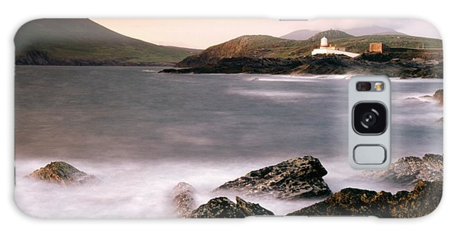 Cummins Galaxy S8 Case featuring the photograph Cromwell Point Lighthouse, Valentia by Richard Cummins