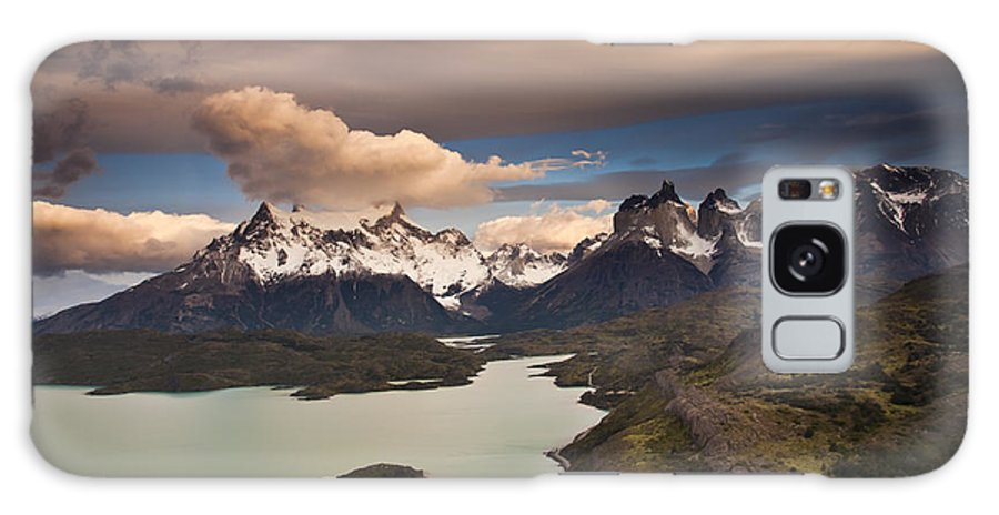 00451385 Galaxy S8 Case featuring the photograph Cuernos Del Paine And Lago Pehoe by Colin Monteath