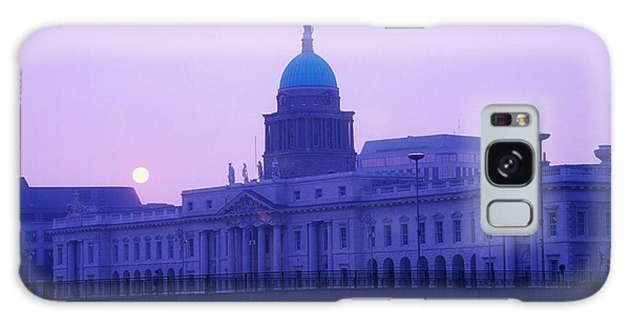 Building Galaxy S8 Case featuring the photograph Custom House, Dublin, Co Dublin, Ireland by The Irish Image Collection