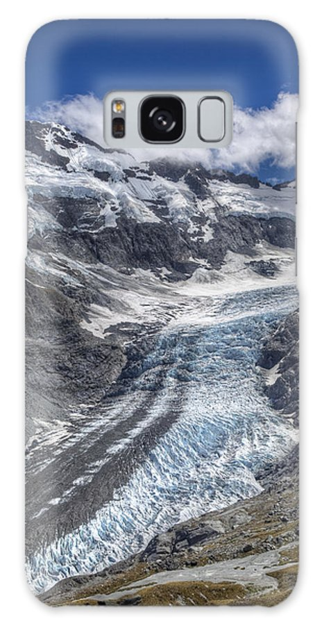 00441039 Galaxy S8 Case featuring the photograph Dart Glacier Above Cascade Saddle Mount by Colin Monteath