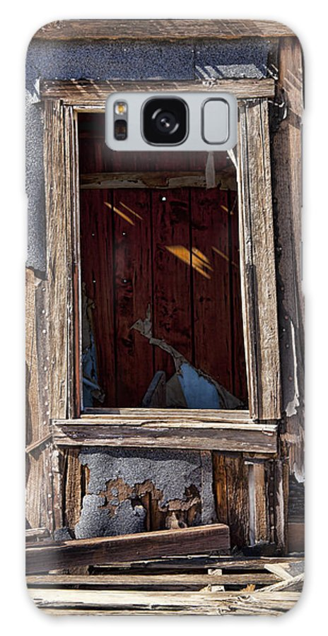 Old House Galaxy S8 Case featuring the photograph Decrepit by Kelley King