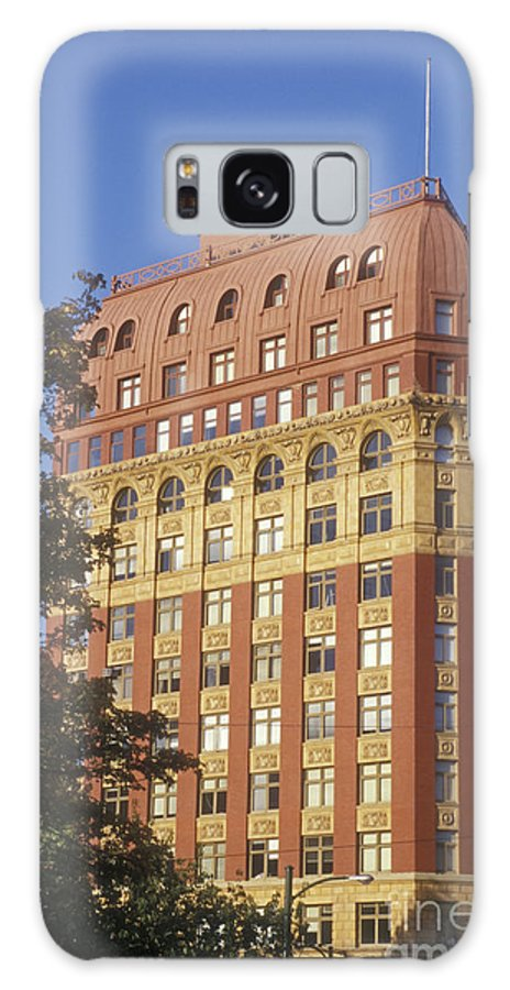 Vancouver Galaxy S8 Case featuring the photograph Dominion Life Building Vancouver by John Mitchell