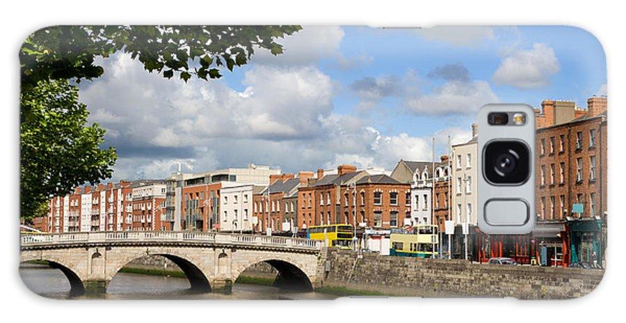 Ireland Galaxy S8 Case featuring the photograph Dublin Cityscape by Artur Bogacki