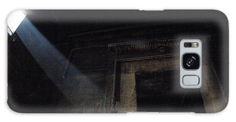 Interior Chamber Dendera Egypt Galaxy S8 Case featuring the photograph Egypt Interior Chamber Dendera by Bob Christopher