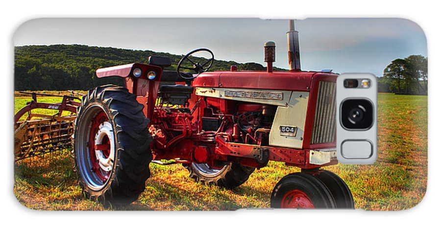 Andrew Pacheco Galaxy S8 Case featuring the photograph Farmall Tractor In The Sunlight by Andrew Pacheco