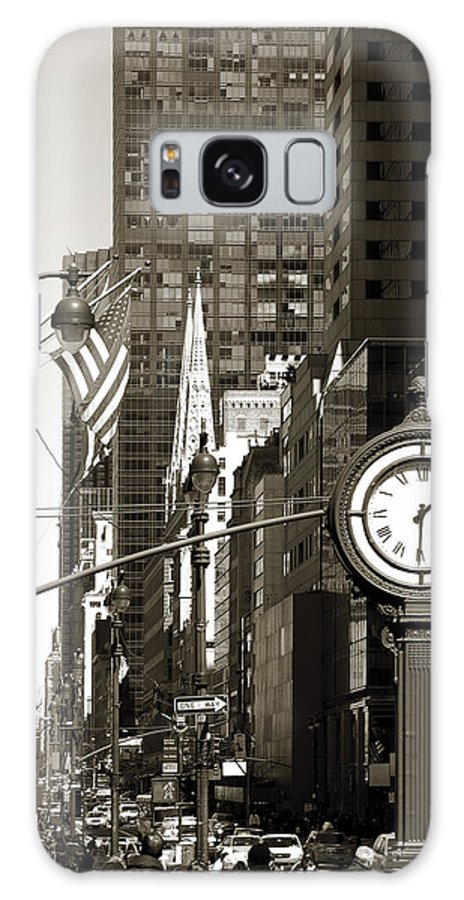 Fifth Avenue Galaxy S8 Case featuring the photograph Fifth Avenue by RicardMN Photography